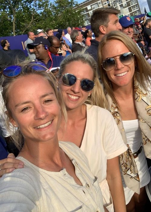 Danielle taking a selfie with Georgie Hodge (middle) and Lauren Winfield at the Lord's cricket ground in 2019