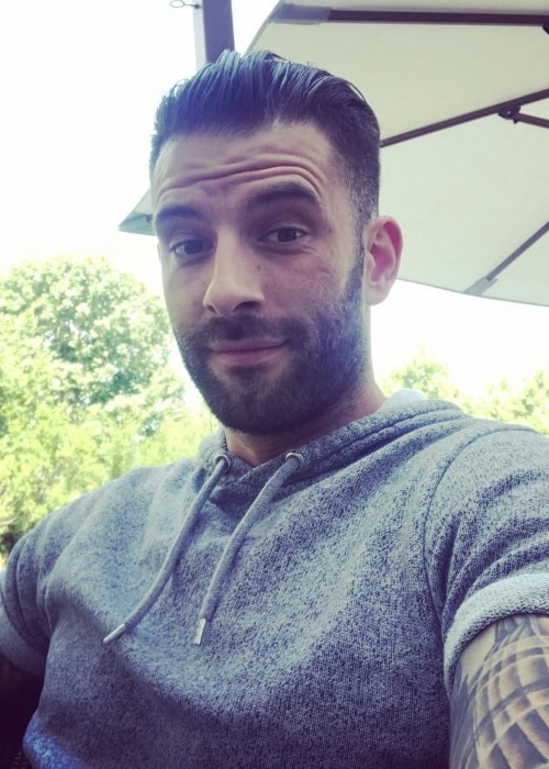 Darcy Oake as seen in a selfie taken in December 2017