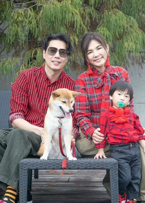 Ella Chen with her family as seen in February 2019