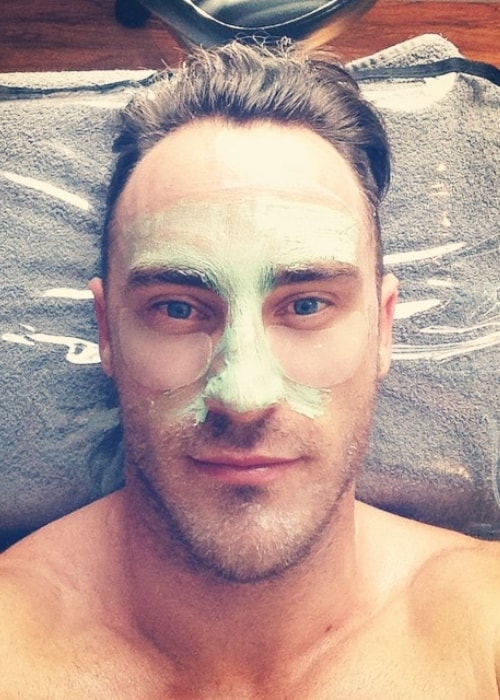Faf du Plessis as seen in a closeup selfie of himself taking some time out to do a skin care routine in December 2014