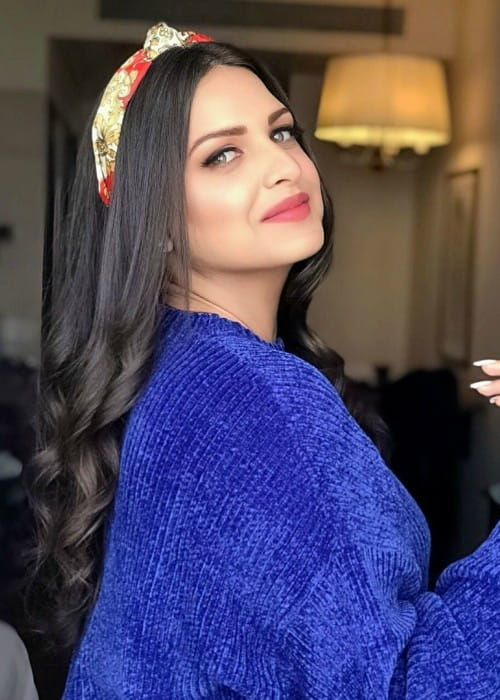 Himanshi Khurana in an Instagram post in September 2019