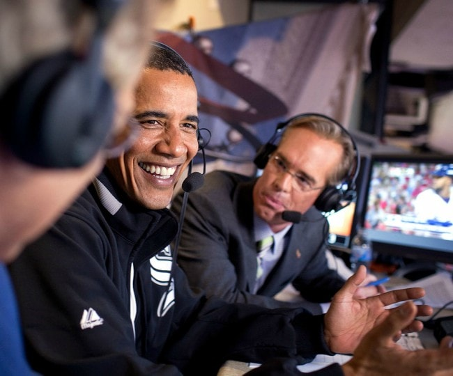 Joe Buck (Right) and Barack Obama as seen in July 2009