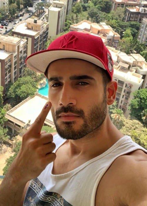 Karan Tacker in a selfie in April 2019