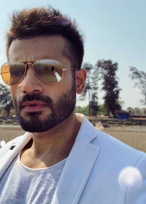 Karan Tacker in an Instagram selfie as seen in April 2019