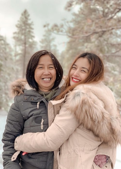 Kris Bernal as seen while smiling in a picture alongside her mother