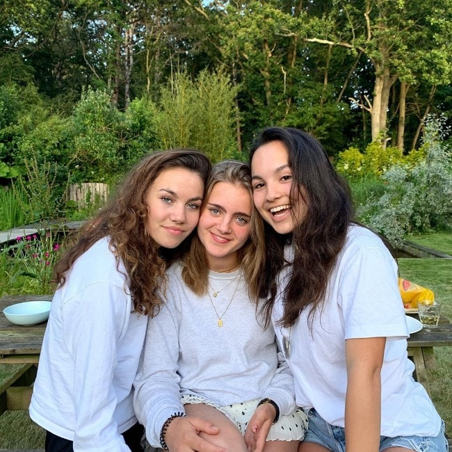 Kyra Smith with her friends as seen in June 2019
