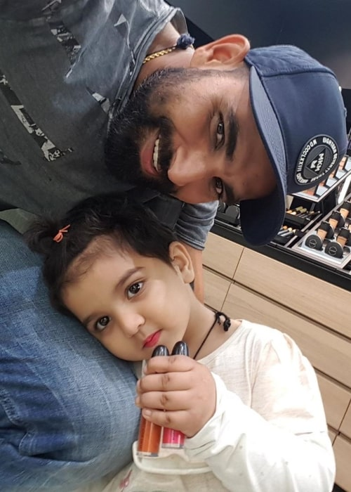 Mohammad Shami as seen in a selfie with his daughter Aaira Shami uploaded to his Instagram in July 2019
