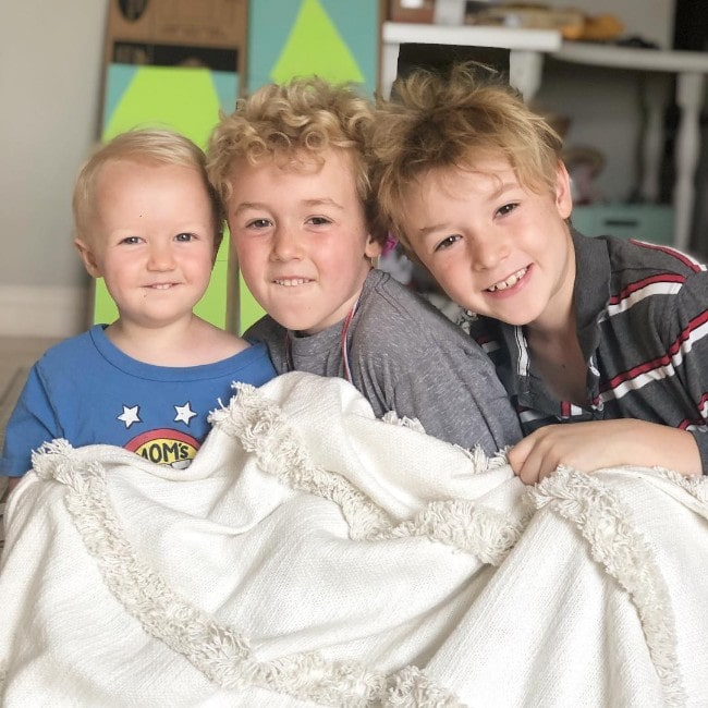 Parker Ballinger with his siblings as seen in April 2019