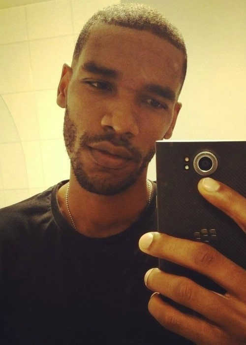 Parker Sawyers in a selfie in May 2016