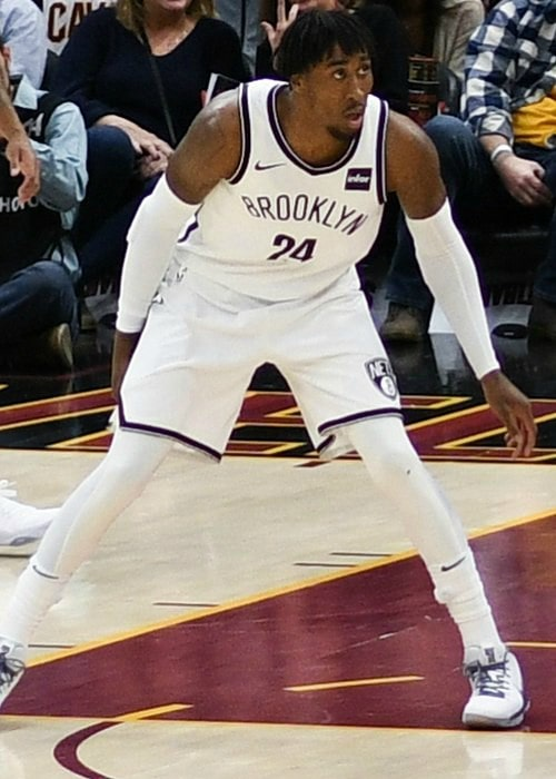Rondae Hollis-Jefferson during a match in February 2018