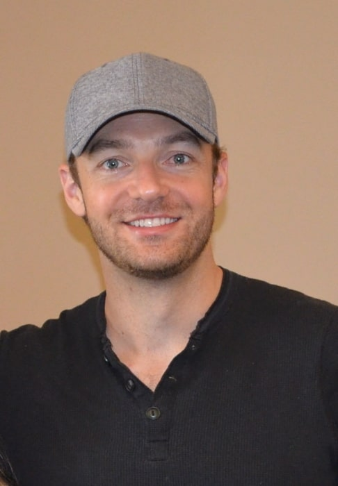 Ross Marquand as seen while smiling for the camera at Monster Mania Convention in August 2015