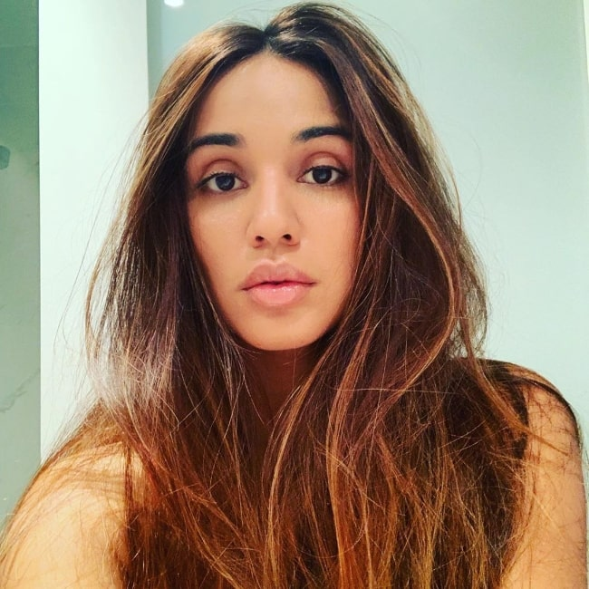 Summer Bishil as seen while taking a gorgeous selfie in October 2019