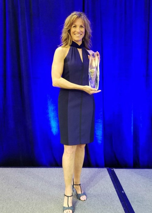 Suzy Kolber after receiving the PA Broadcasters Gold Medal Award in May 2018