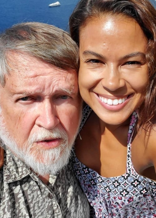 Toni Trucks as seen in a selfie with her father Lee Trucks at the Amalfi Coast in August 2019