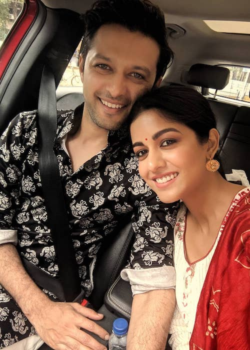 Vatsal Sheth and Ishita Dutta wishing everybody Happy Diwali in October 2019