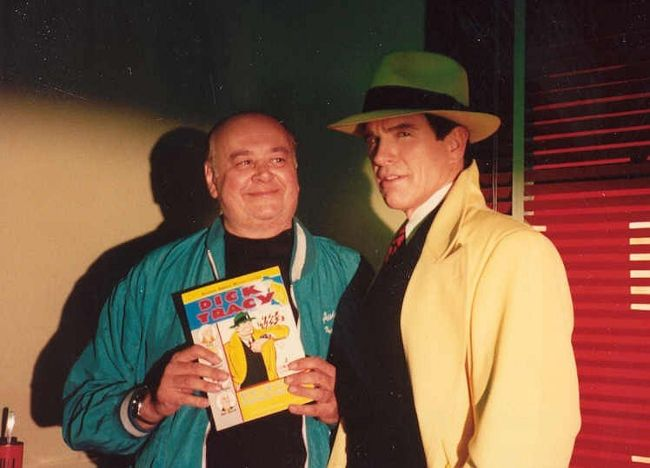 Warren Beatty and Shel Dorf on the set of the 1990 flick Dick Tracy