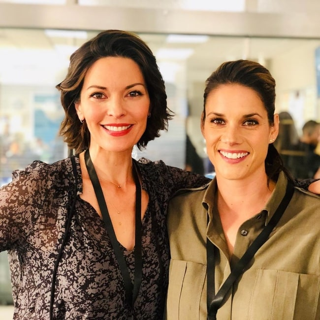 Alana de la Garza (Left) as seen while posing for a picture along with Missy Peregrym in September 2019