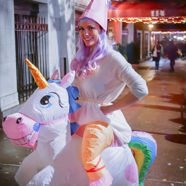 Alana de la Garza as seen while dressed up in her Halloween costume in 2019