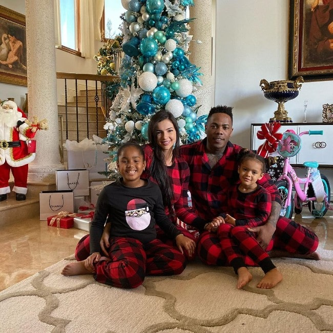 Aroldis Chapman with his family as seen in December 2019