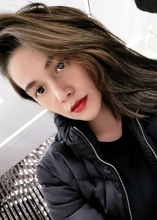 Bea Alonzo as seen while taking a selfie in January 2019