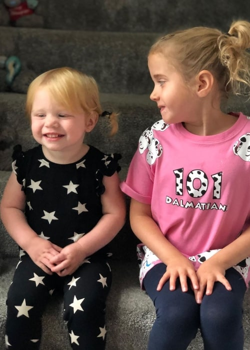 Chloe Conder as seen while smiling in a picture alongside her older sister, Sophie Conder, in September 2019
