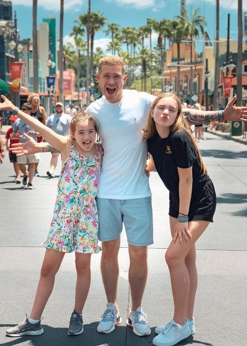 Joel Conder as seen while posing for a picture alongside his daughters, Kaci Conder (Right) and Grace Conder (Left), at Disney's Hollywood Studios in Orlando, Florida in May 2019