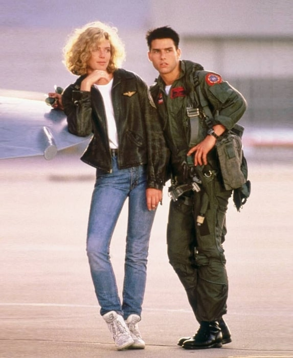 Kelly McGillis along side legendary actor Tom Cruise in a picture taken during the shoot of Top Gun (1986)