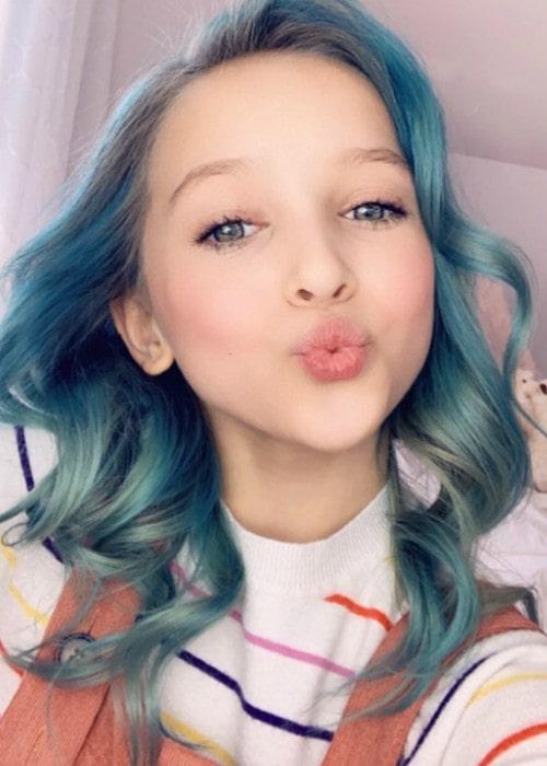 Lilliana Ketchman in an Instagram selfie as seen in December 2019