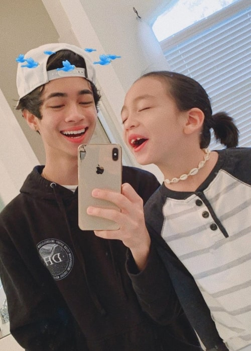 Mateo Moy as seen while posing goofily in a mirror selfie along with his older brother, Sebastian Moy, in October 2019