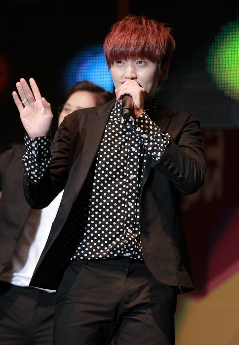 Sandeul as seen while performing at the Yongsan I-Park Mall on November 2, 2013