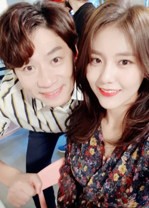 Shin Hye-jeong as seen in a selfie with actor Jung Sang-hoon that was taken in September 2017