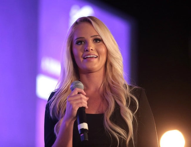 Tomi Lahren speaking with attendees at the 2018 Young Women's Leadership Summit