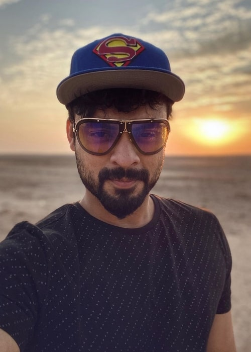 Tovino Thomas as seen in a selfie taken with the sun rising in the backdrop in Riyadh in November 2019