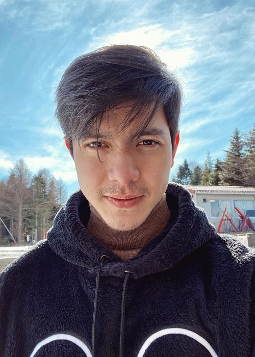 Alden Richards as seen while taking a selfie at Fujiten Resort in Narusawa, Japan in January 2020