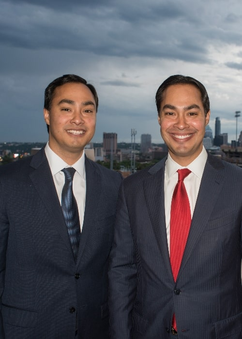 Julian Castro (Right) as seen while posing for the camera along with his twin brother, Joaquin Castro, in April 2013