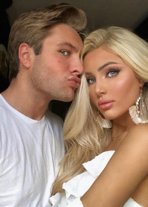 Katerina Rozmajzl as seen in a selfie taken with her beau Czarek Czworkowski in September 2019