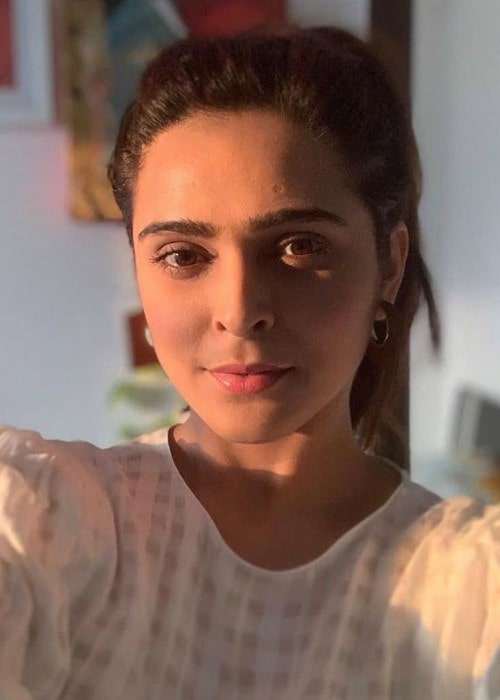 Madhurima Tuli in an Instagram selfie as seen in December 2019