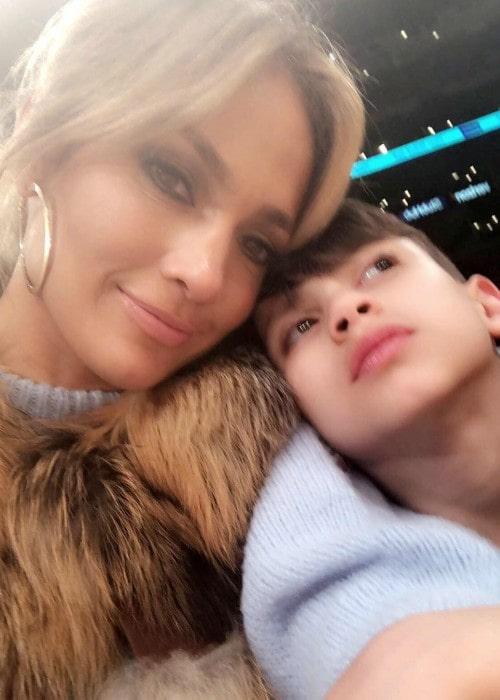 Maximilian David Muñiz in a selfie with Jennifer Lopez as seen in January 2018