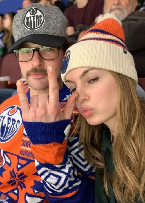 Michelle Mylett and Jesse Antler in a selfie in December 2019