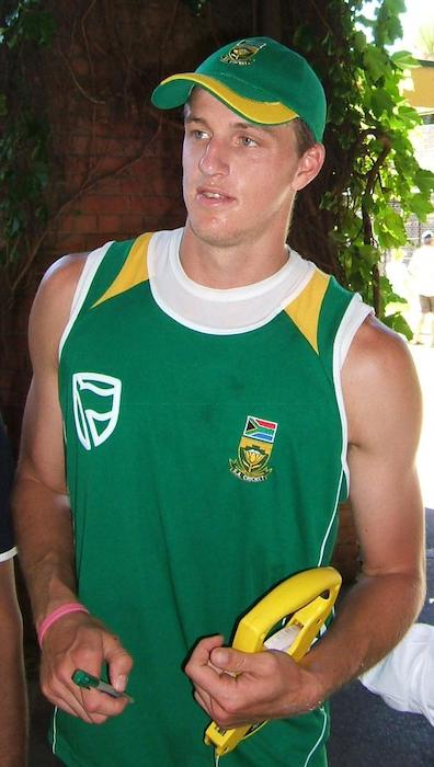 Morne Morkel at a training session at the Adelaide Oval Ground in Australia in 2009