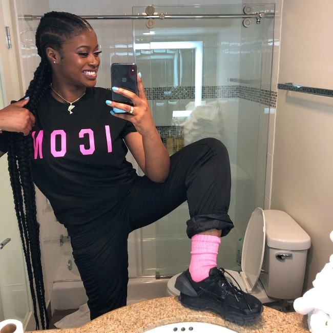 Tierra Whack as seen while taking a bathroom mirror selfie in April 2019
