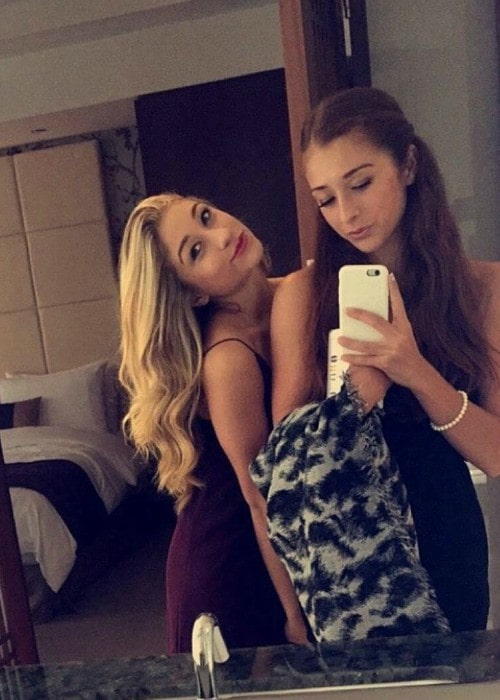 Abbey Nolet (Right) and Briar Nolet in a selfie in May 2016