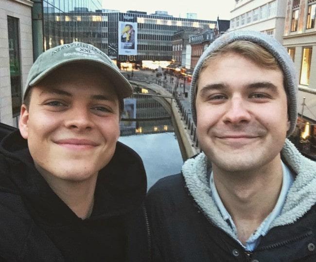 Alex Høgh Andersen (Left) and Magnus Haugaard Petersen in a selfie in December 2018