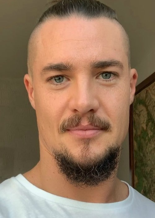 Alexander Dreymon in an Instagram selfie as seen in August 2019