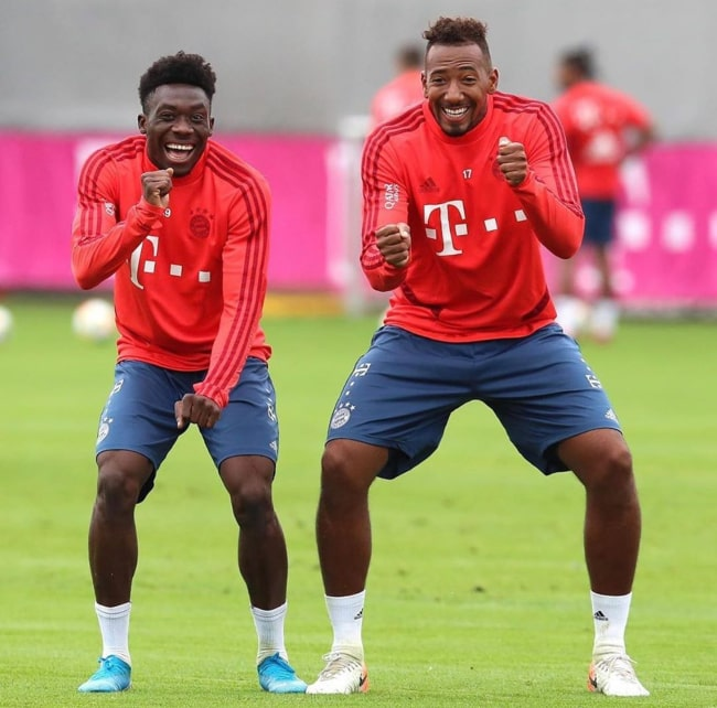 Alphonso Davies and Jérôme Boateng at a FC Bayern Munich training session in July 2019