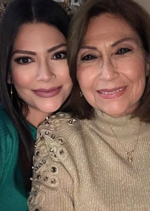 Ana Patricia Gámez with her mother, as seen in January 2020