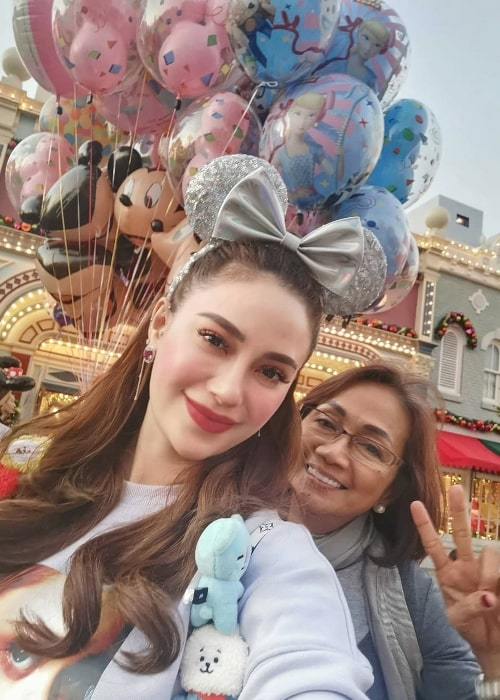 Arci Muñoz as seen while taking a selfie along with her mother at Disneyland Hong Kong in December 2019