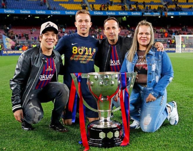 Arthur Melo celebrating FC Barcelona's 2018-19 La Liga triumph with his Family, in April 2019