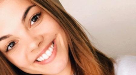 Chloe Hewitt Height, Weight, Age, Body Statistics