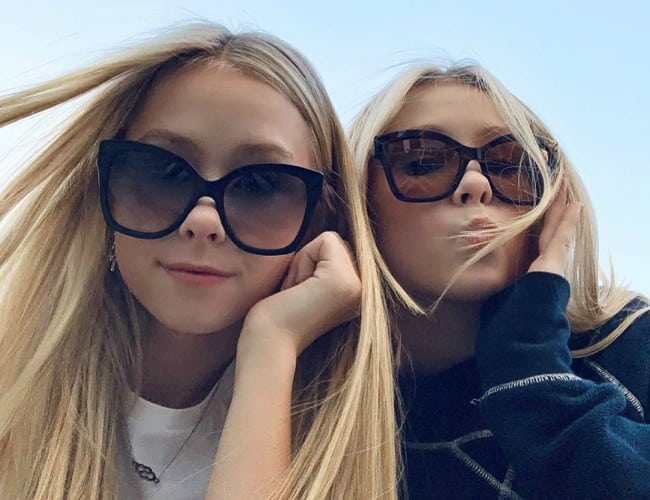 Elle Cryssanthander and Iza Cryssanthander in a selfie in February 2020